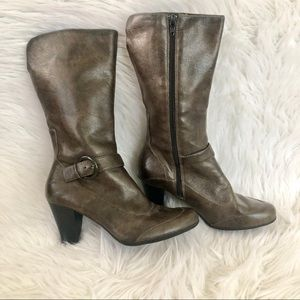 Born b.o.c brown faux leather heeled boots, 7.5